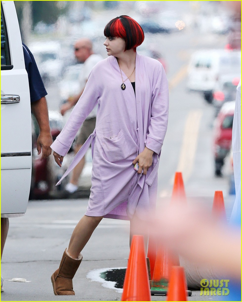 chloe moretz wears multi colored wig for equalizer filming 03