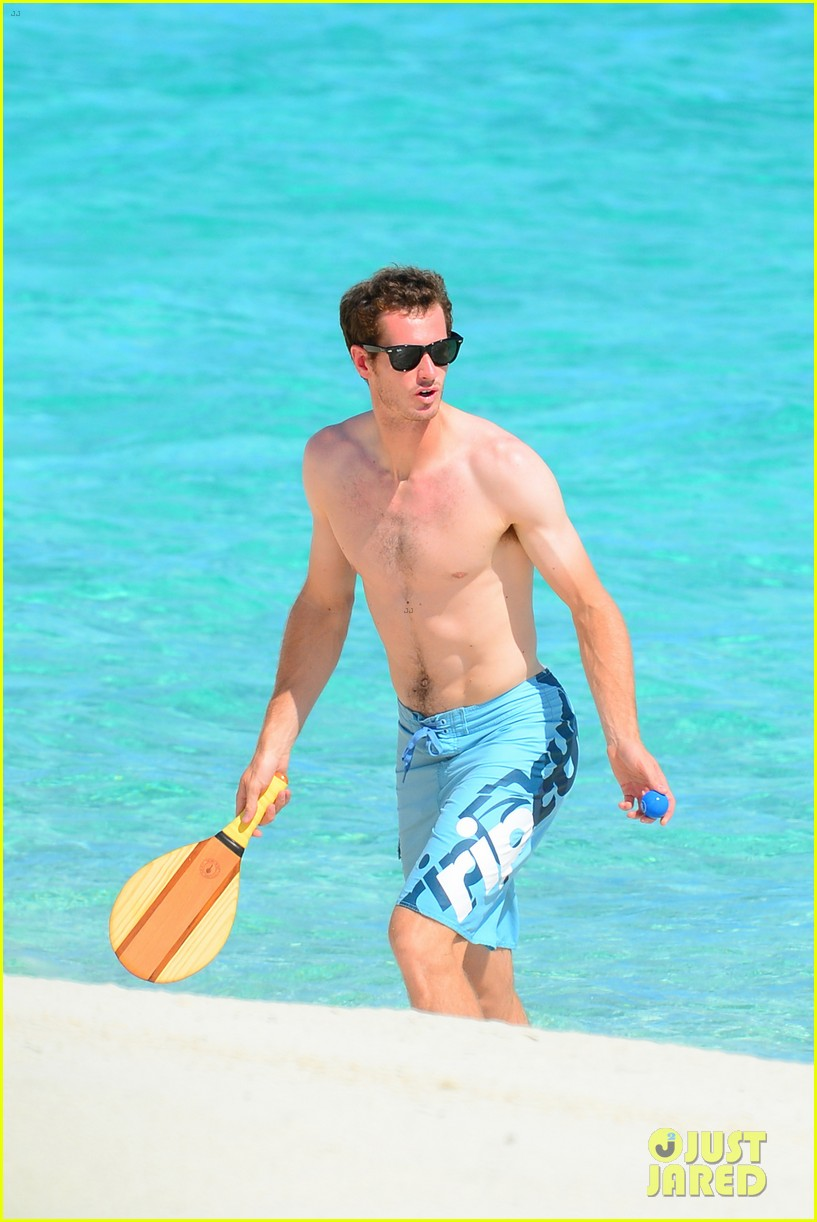 shirtless andy murray ibiza beach besos with kim sears 24