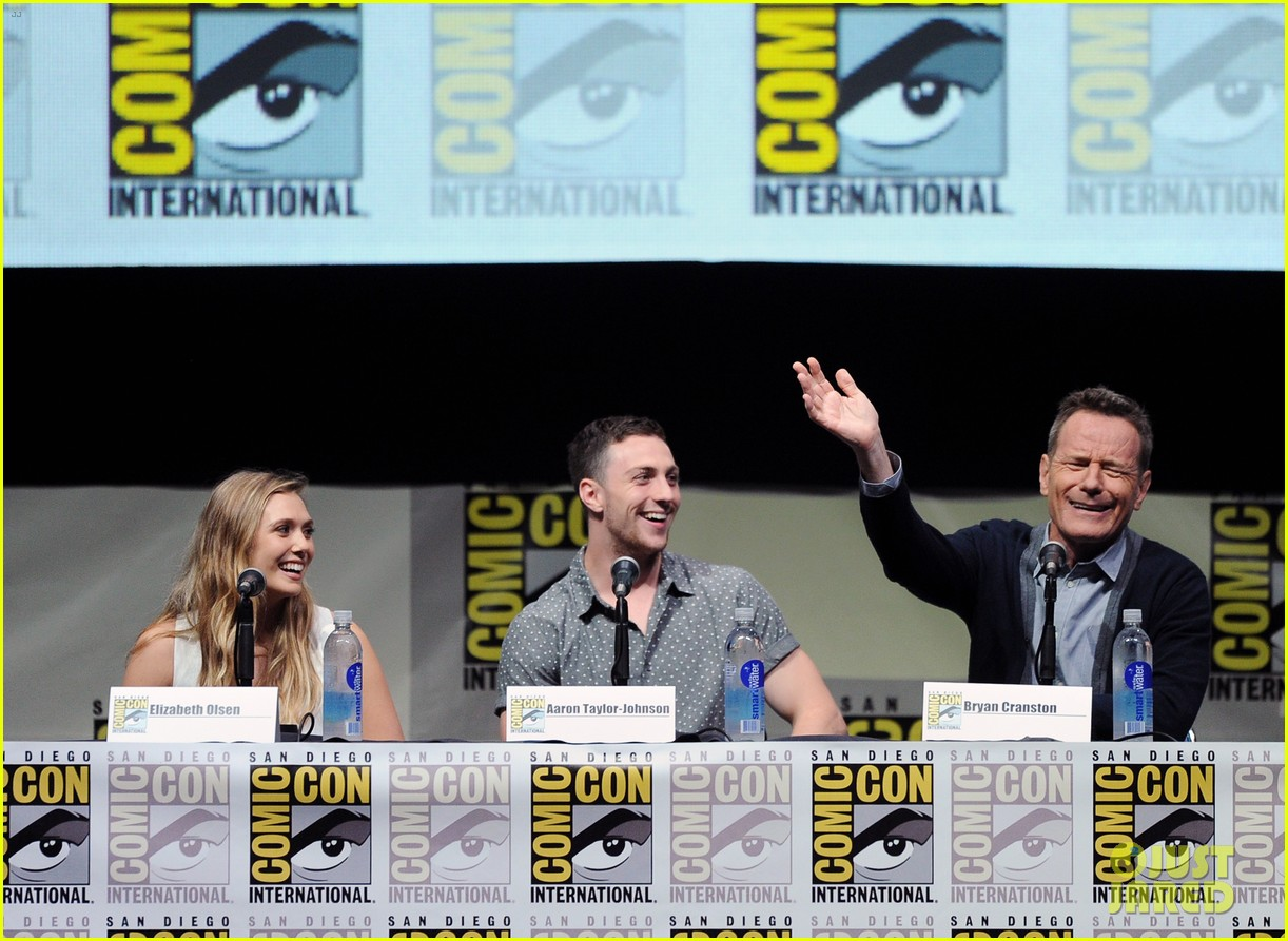 elizabeth olsen aaron taylor johnson godzilla at comic con 072913221