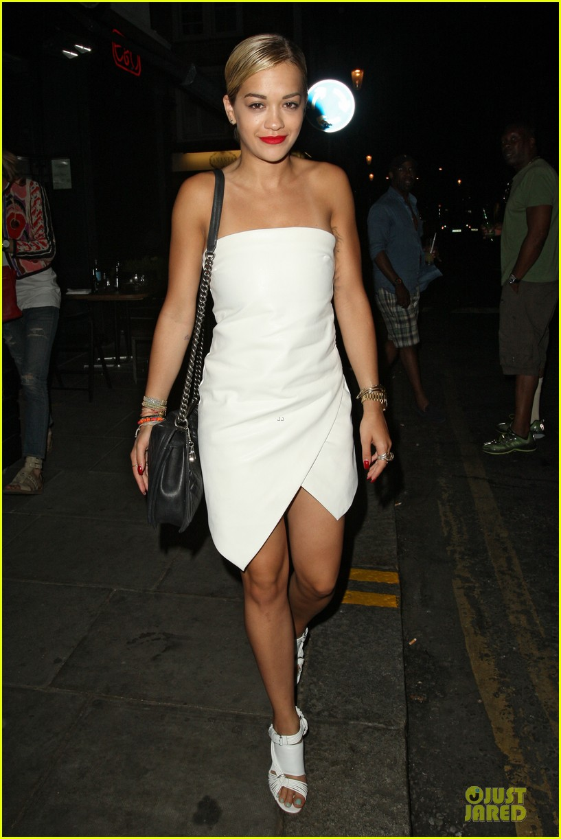 rita ora brightens eo restaurant at night 042910140