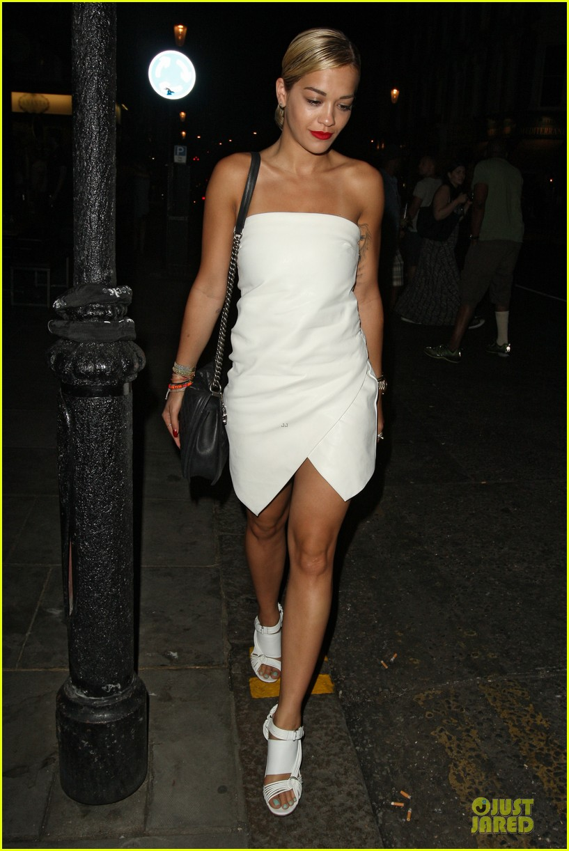 rita ora brightens eo restaurant at night 092910145