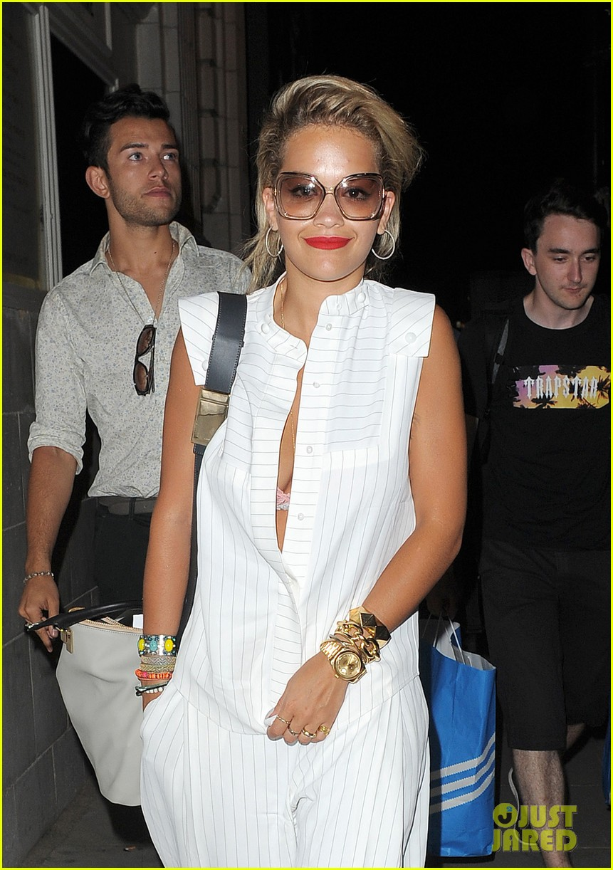 rita ora family dinner after barcelona trip 072917003