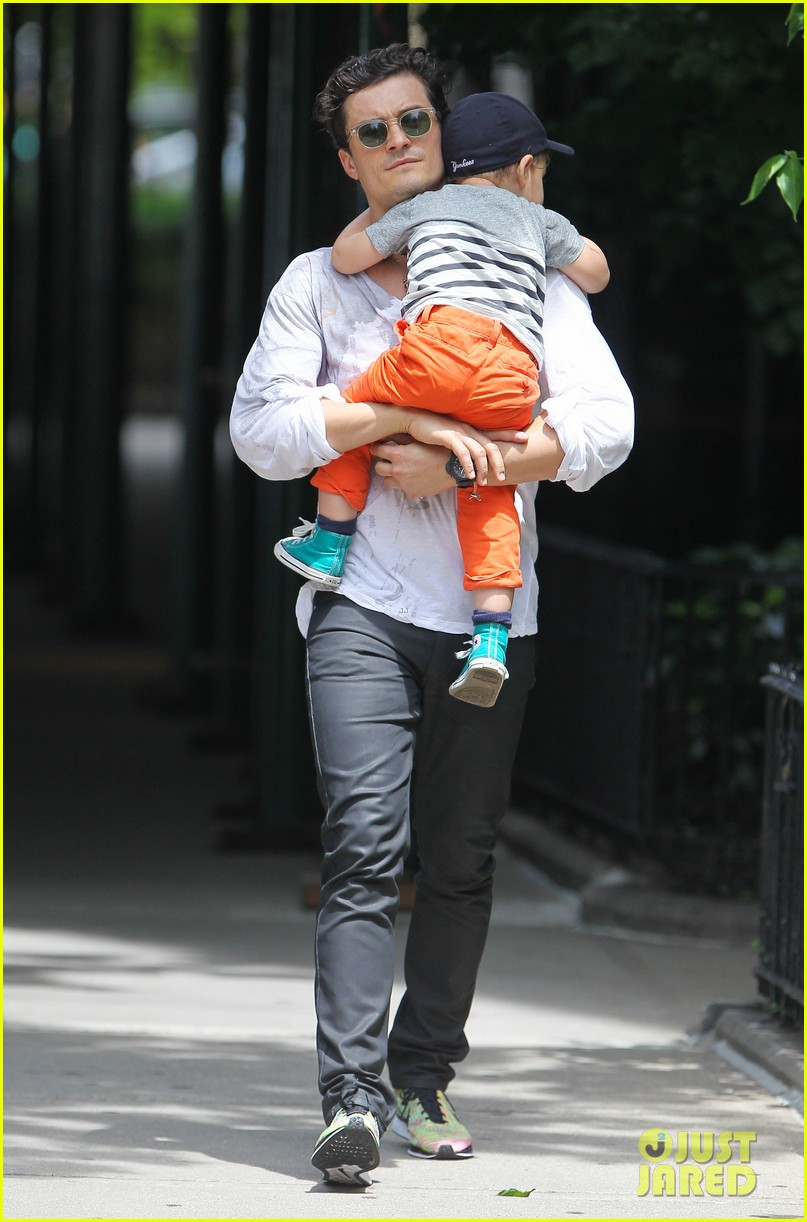 orlando bloom takes flynn to central park miranda kerr hits jfk 05