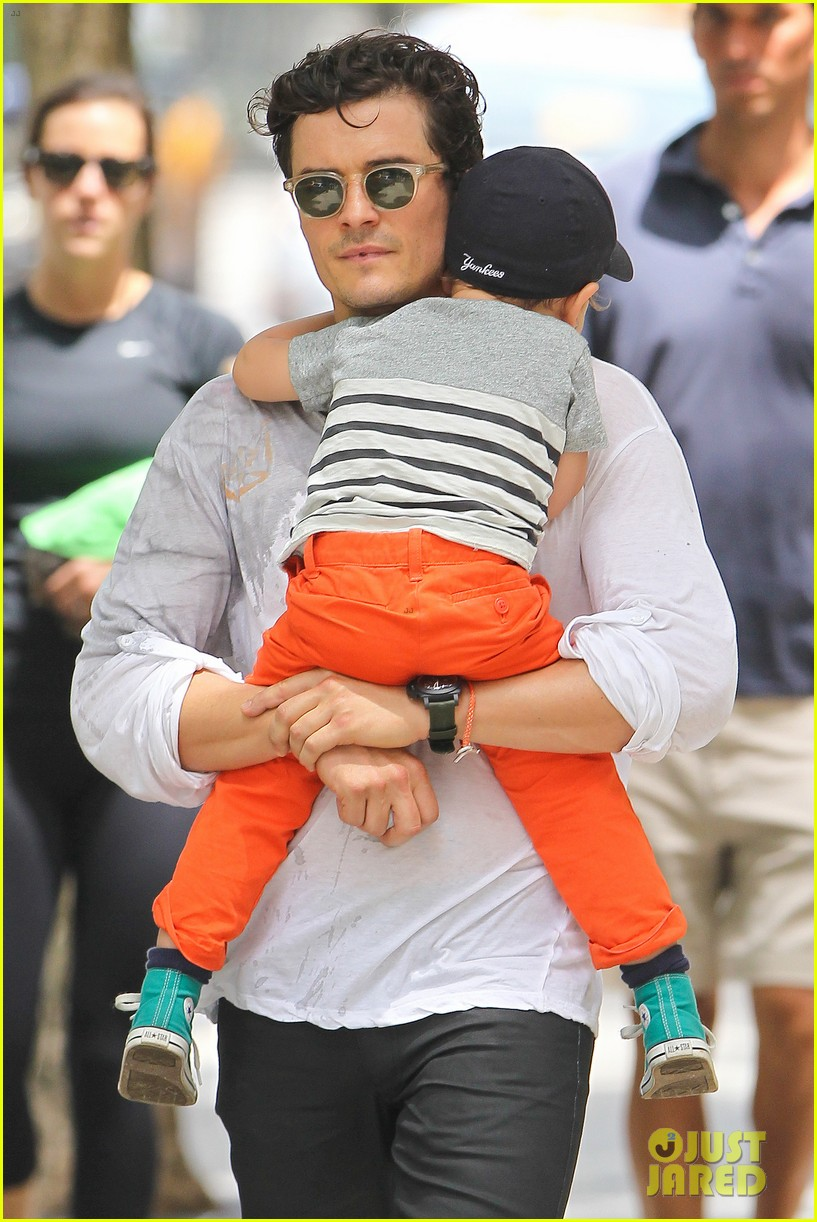 orlando bloom takes flynn to central park miranda kerr hits jfk 142909399