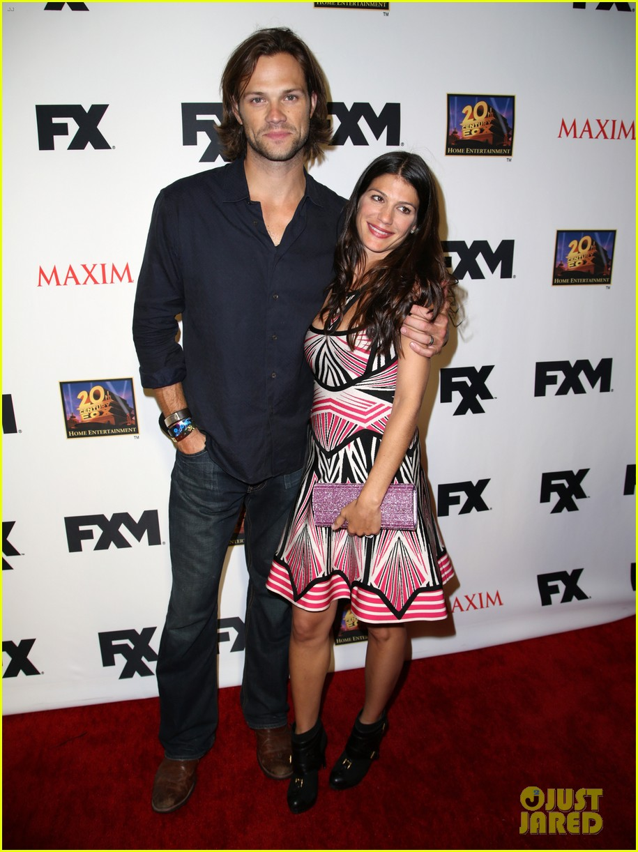 jared padalecki expecting second child with wife genevieve 05