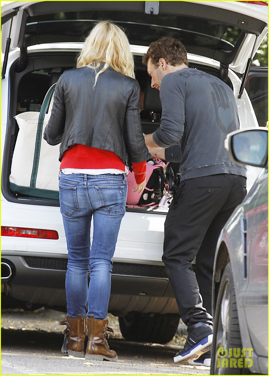 gwyneth paltrow chris martin shop in london on july 4th 03