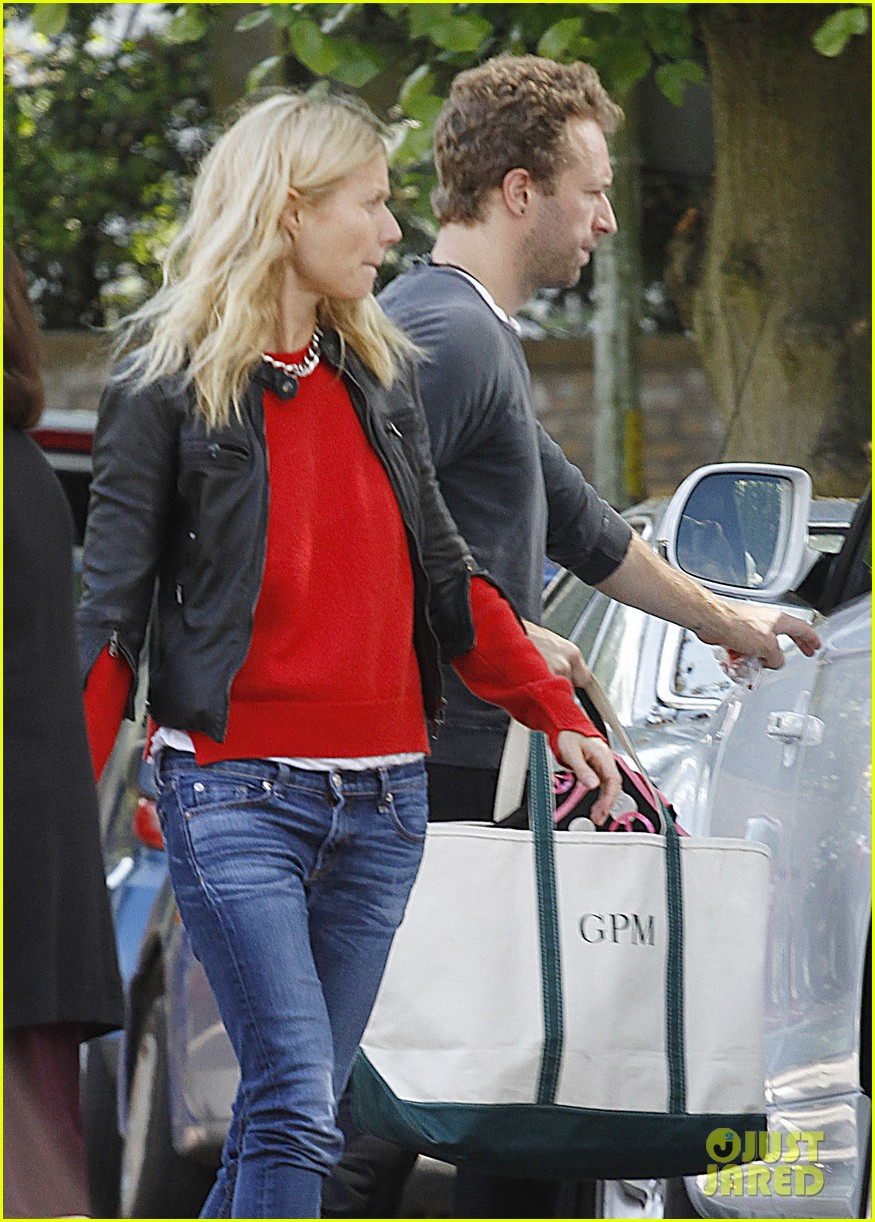 gwyneth paltrow chris martin shop in london on july 4th 042903955