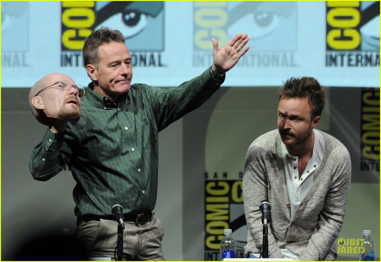 aaron paul bryan cranston breaking bad panel at comic con 16