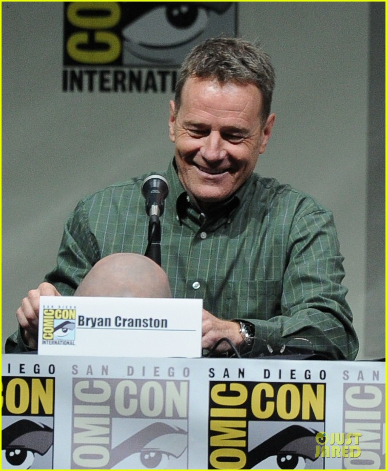 aaron paul bryan cranston breaking bad panel at comic con 23