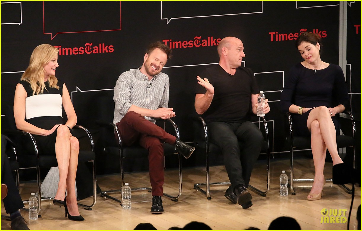aaron paul bryan cranston breaking  bad promo at timestalk 092920552