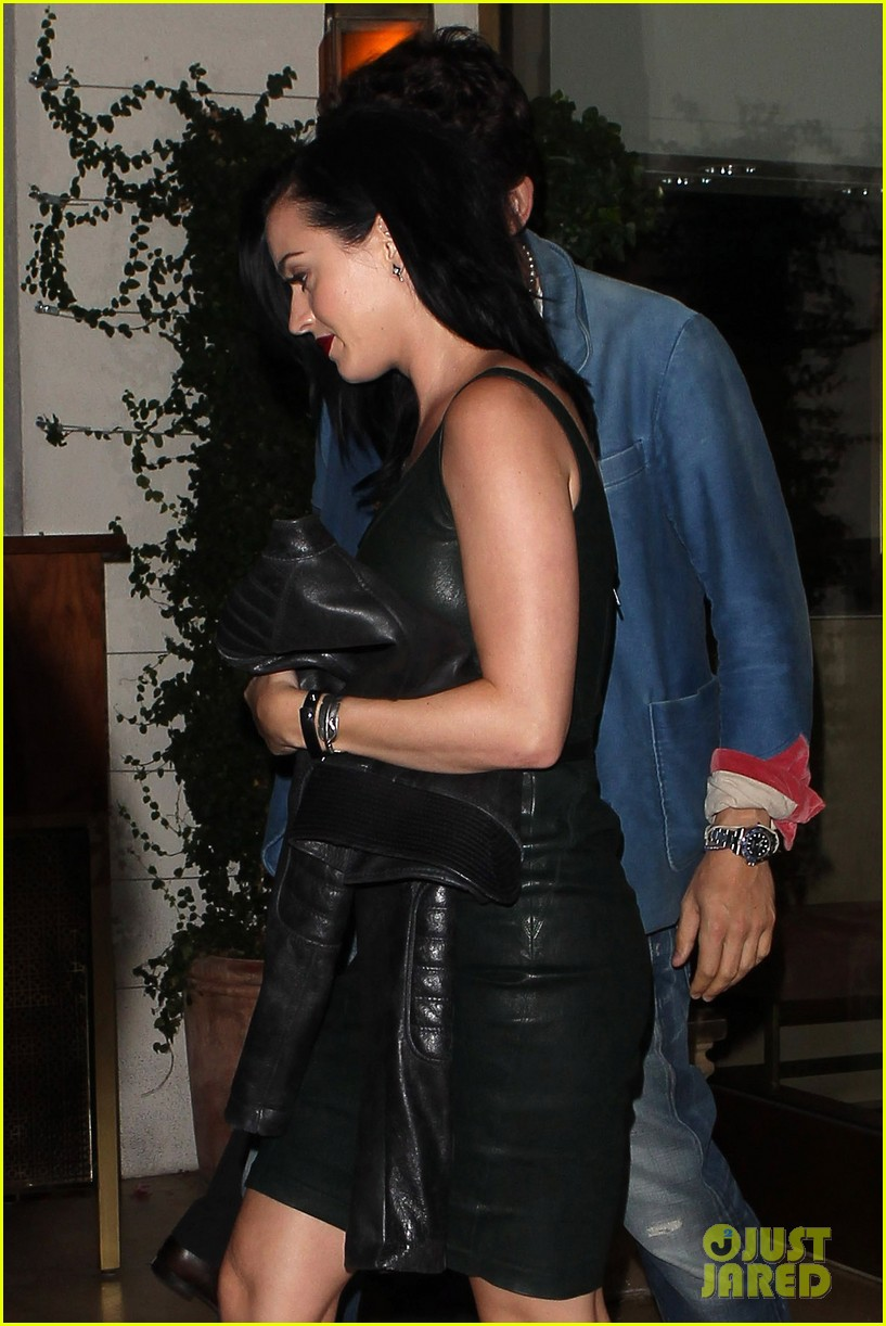 katy perry john mayer stick close after dinner date 02