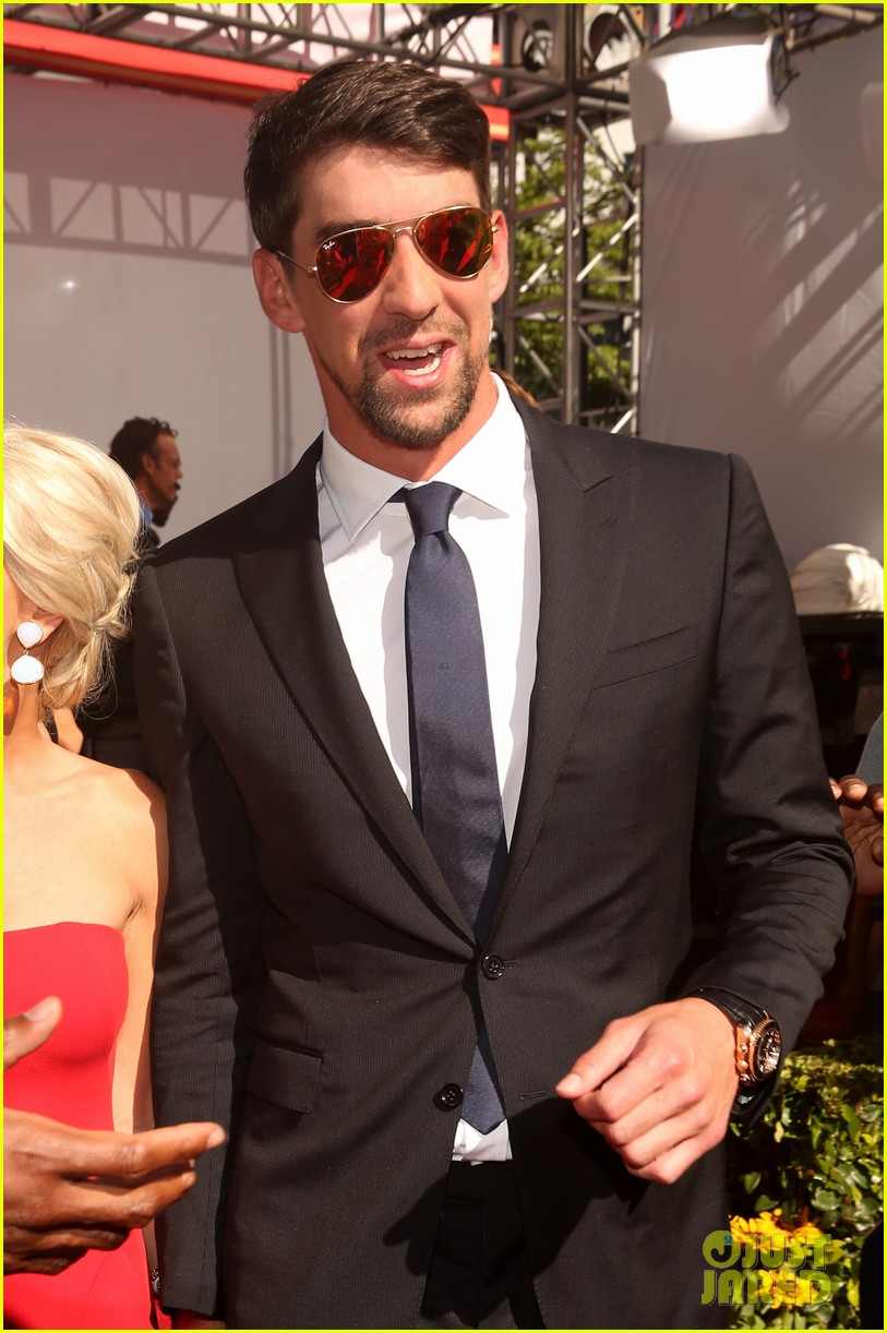 michael phelps new girlfriend espys 2013 red carpet 04