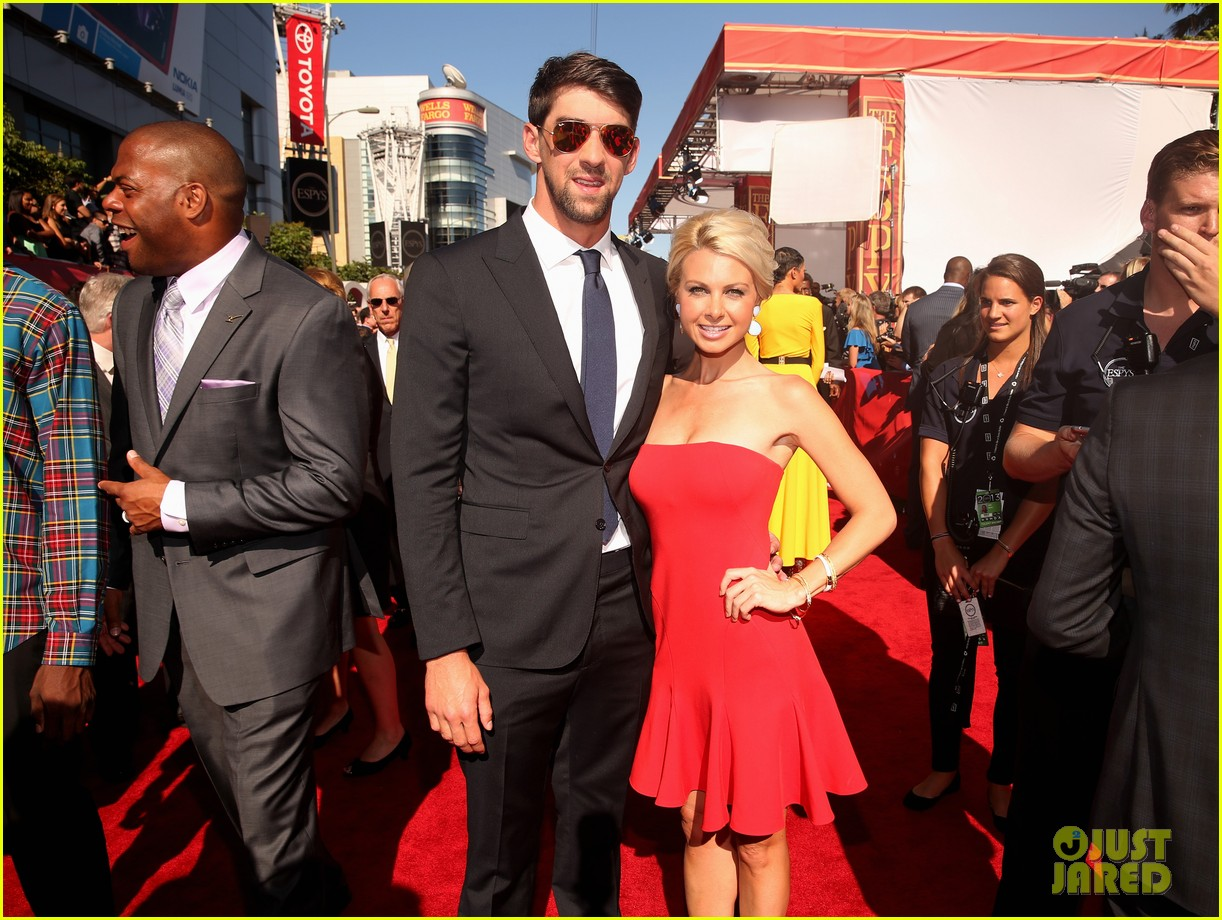 michael phelps new girlfriend espys 2013 red carpet 06