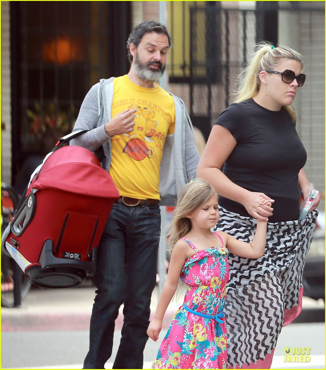 busy philipps post baby body at little doms 02
