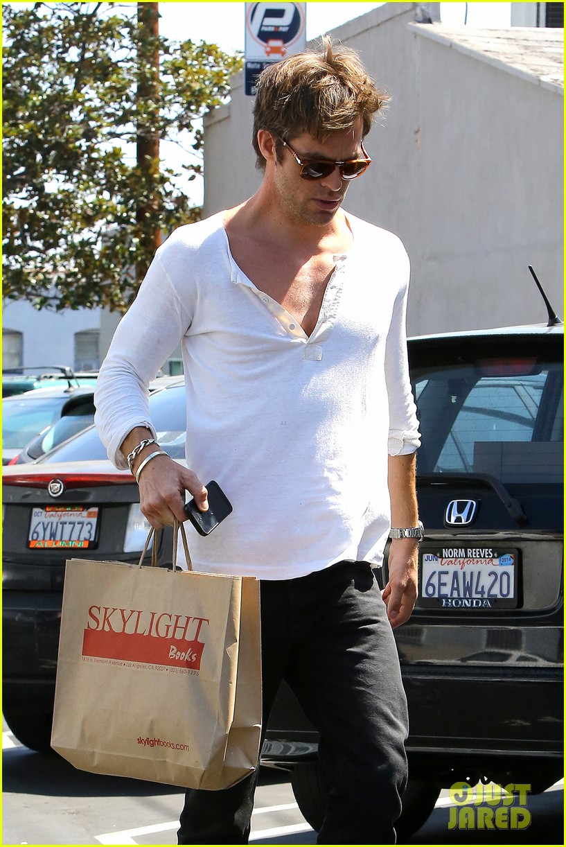 chris pine shows some skin in unbottoned henley 062919178