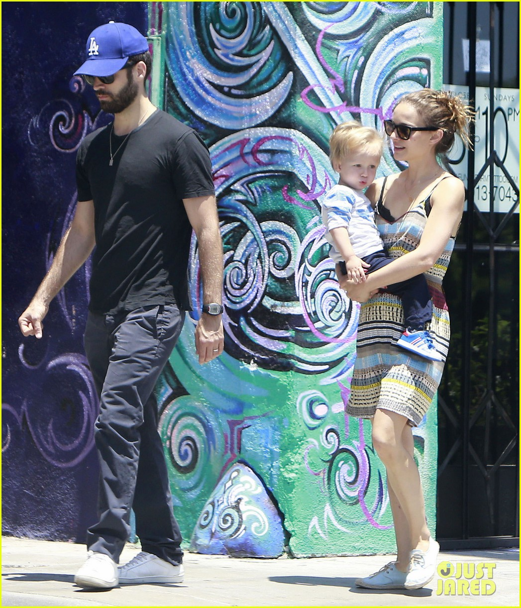 natalie portman family july fourth weekend 132905737