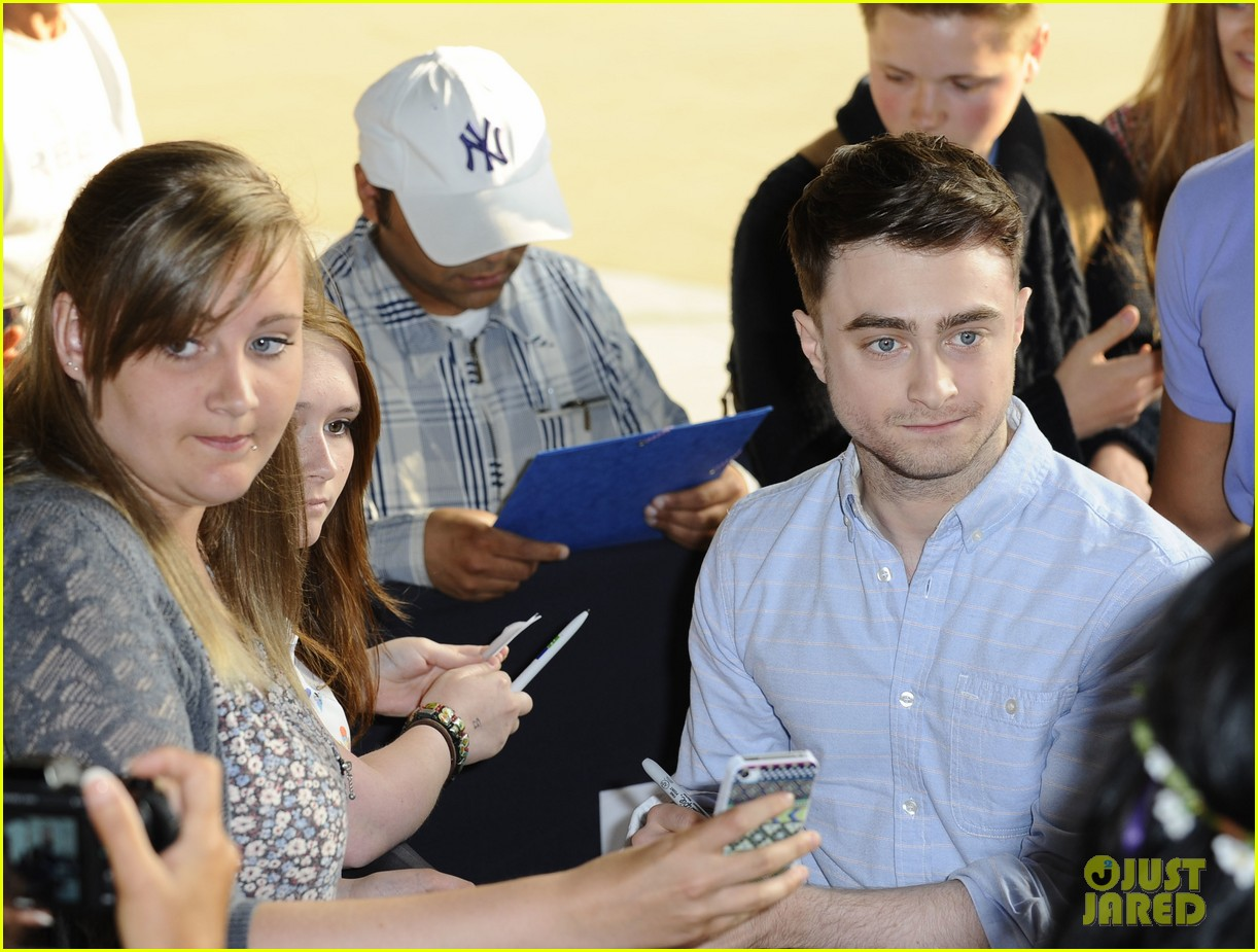 daniel radcliffe im going to watch teen wolf with miley cyrus 022911814