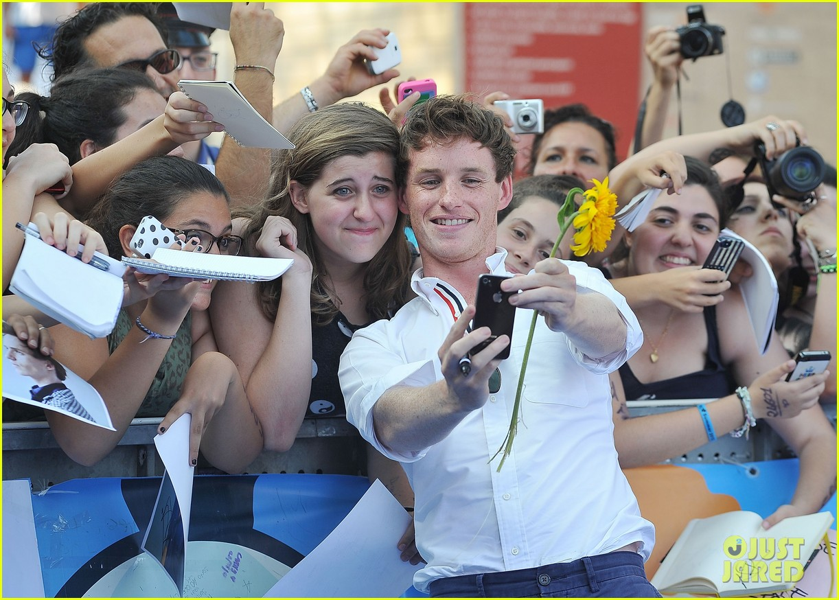 eddie redmayne giffoni film festival photo call 182917441