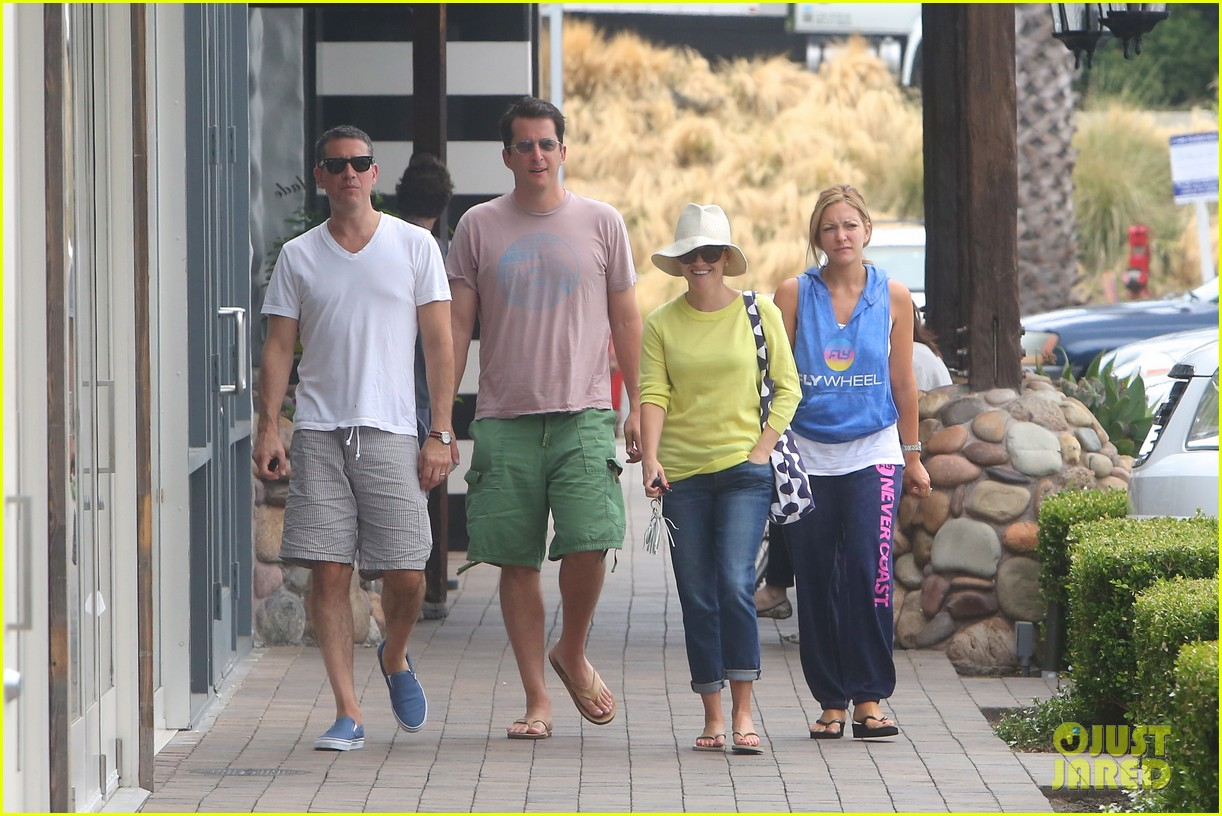 reese witherspoon jim toth breakfast after july fourth 082904607