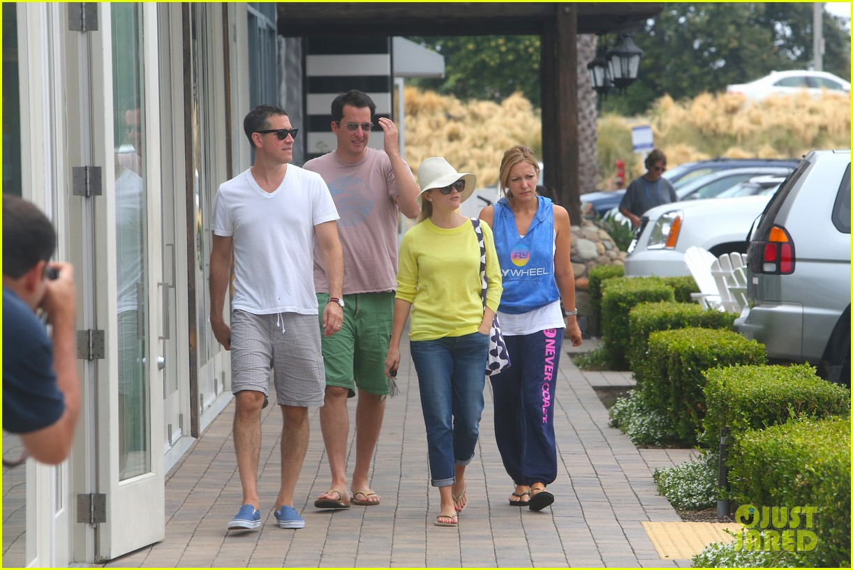 reese witherspoon jim toth breakfast after july fourth 132904612