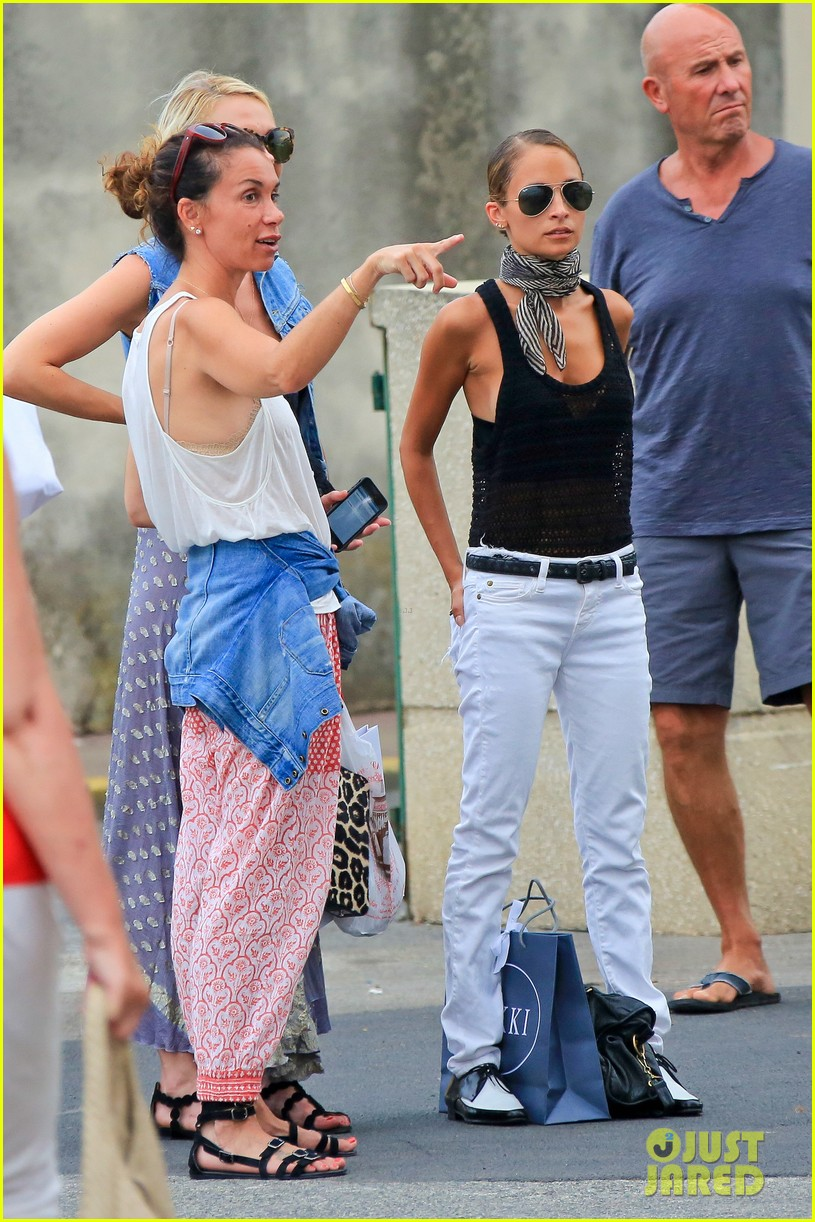 nicole richie bikini vacation with the family 05
