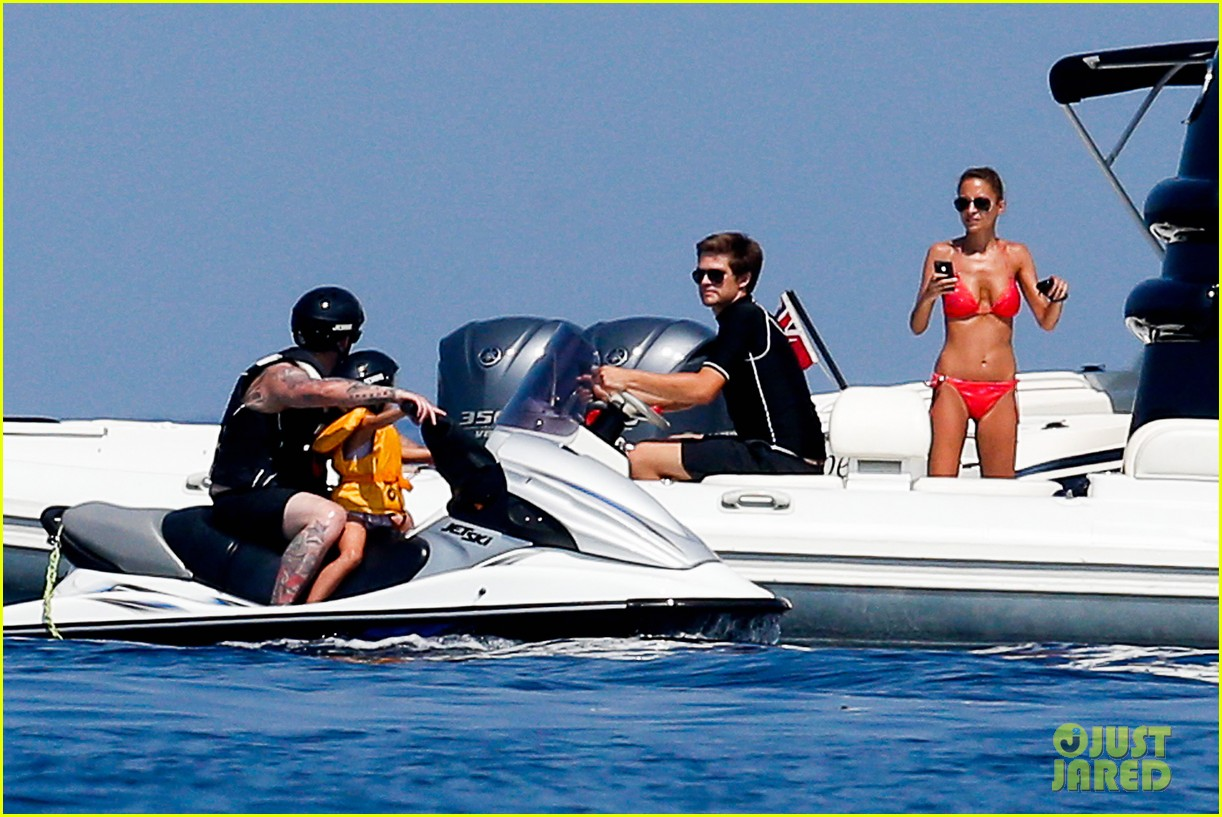 nicole richie bikini vacation with the family 06