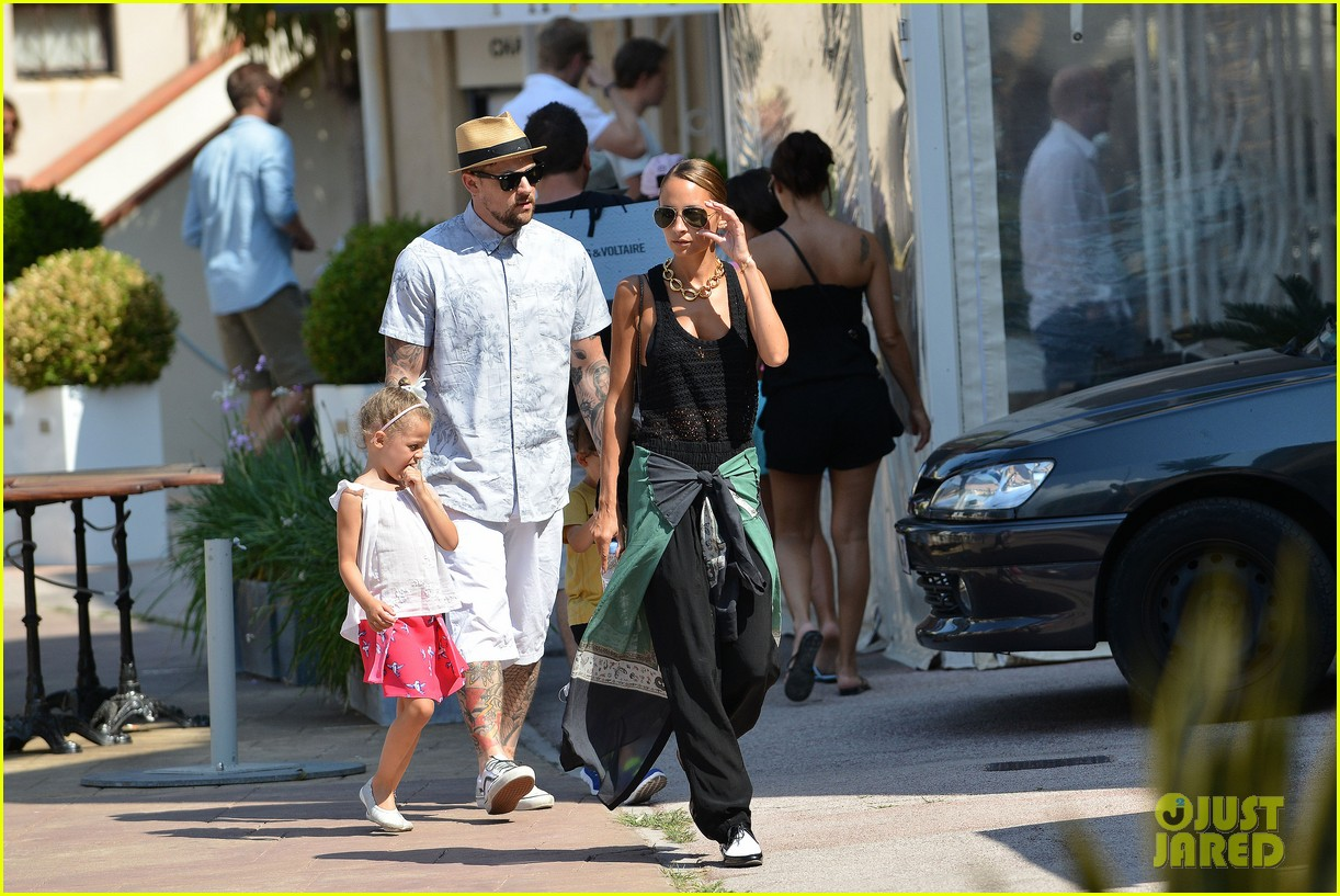 nicole richie continues saint tropez family vacation 09