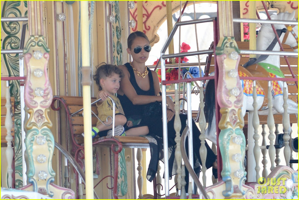 nicole richie continues saint tropez family vacation 18