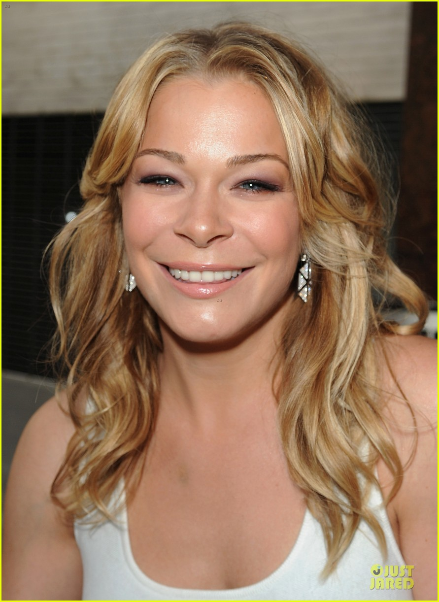 leann rimes friends movement anti bullying concert 022902374