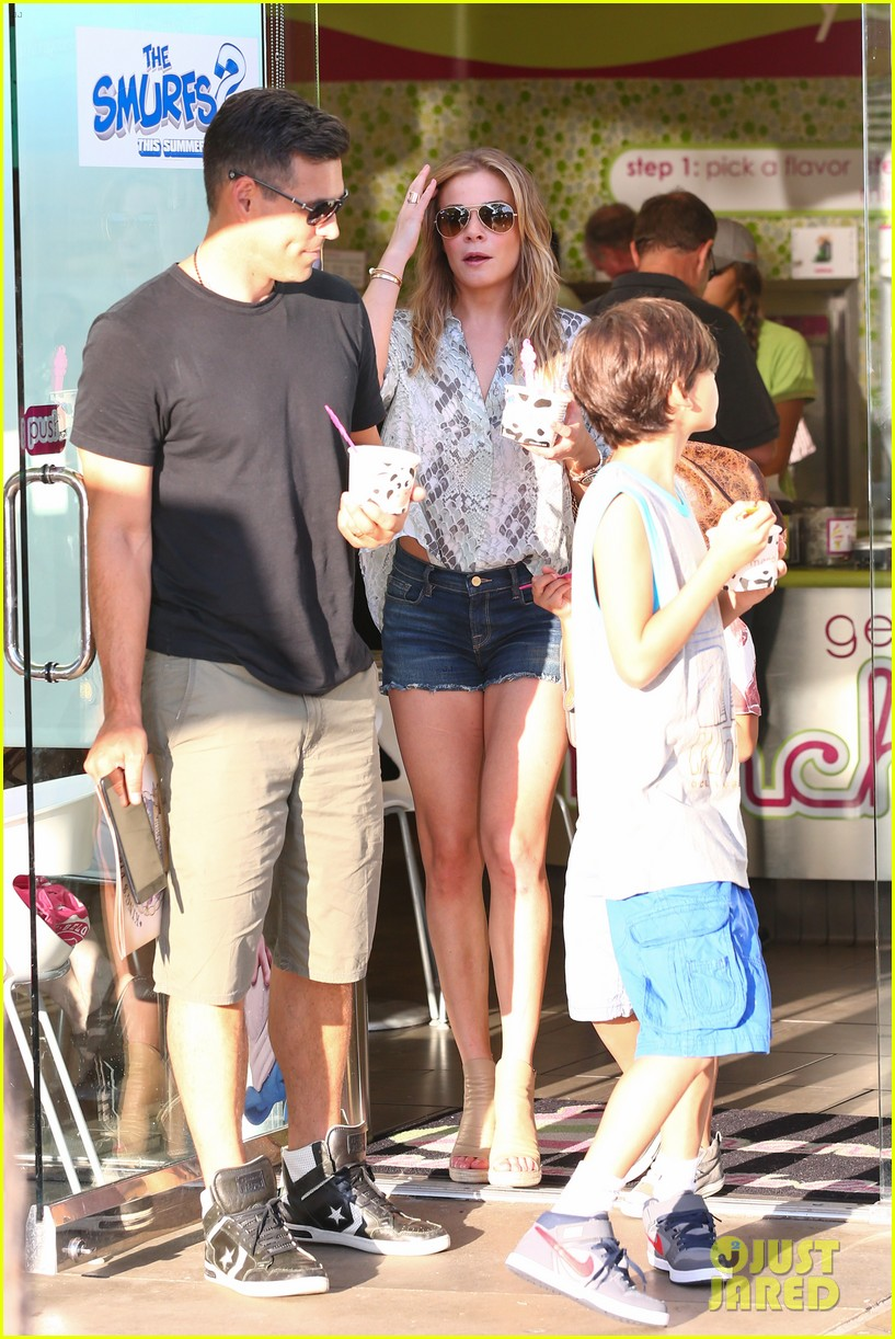 leann rimes eddie cibrian get the menchies munchies 112908760