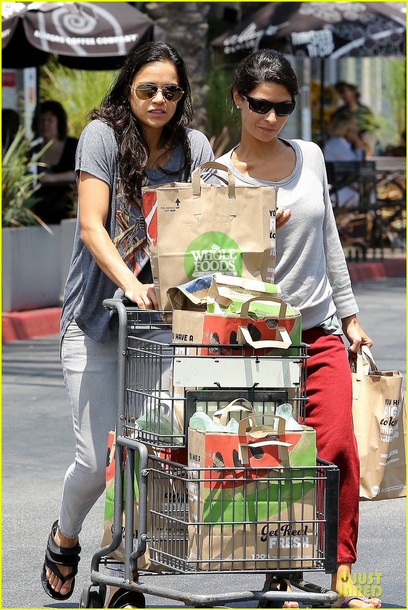 michelle rodriguez grocery shopping with gal pal kim 132908922