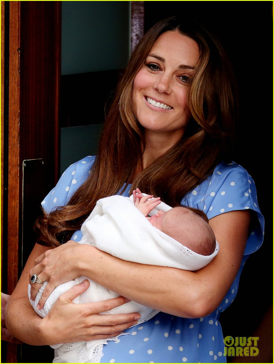 royal baby first photos 04