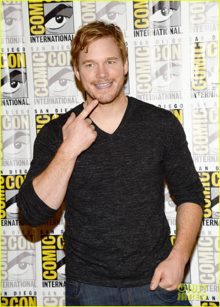 chris pratt zoe saldana guardians of the galaxy comic con panel 182913480