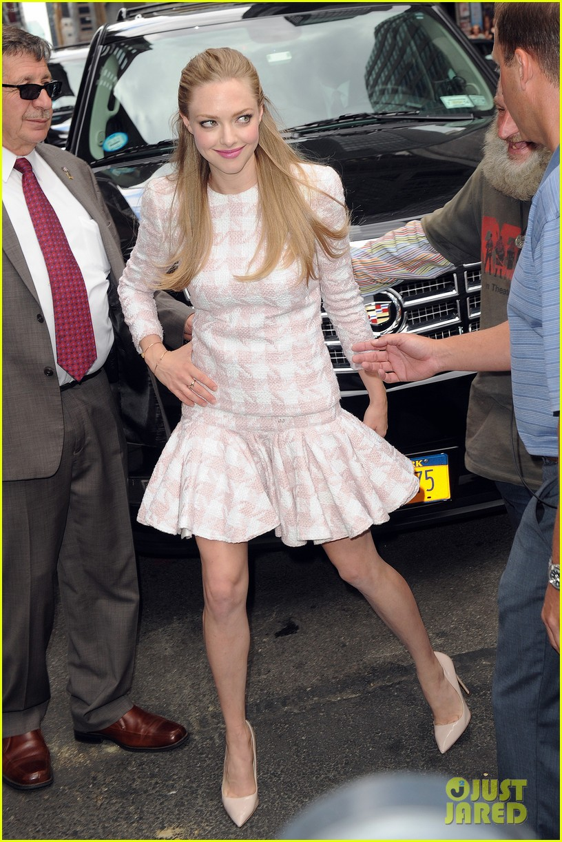 amanda seyfried lovelace promo work in new york 16