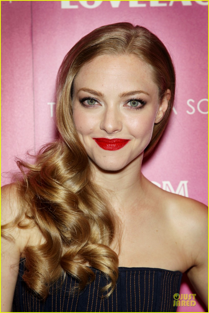 amanda seyfried peter sarsgaard lovelace nyc screening 14