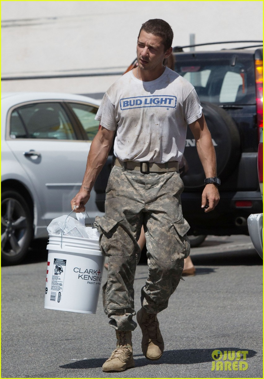 shia labeouf wears same outfit for third time in one week 08