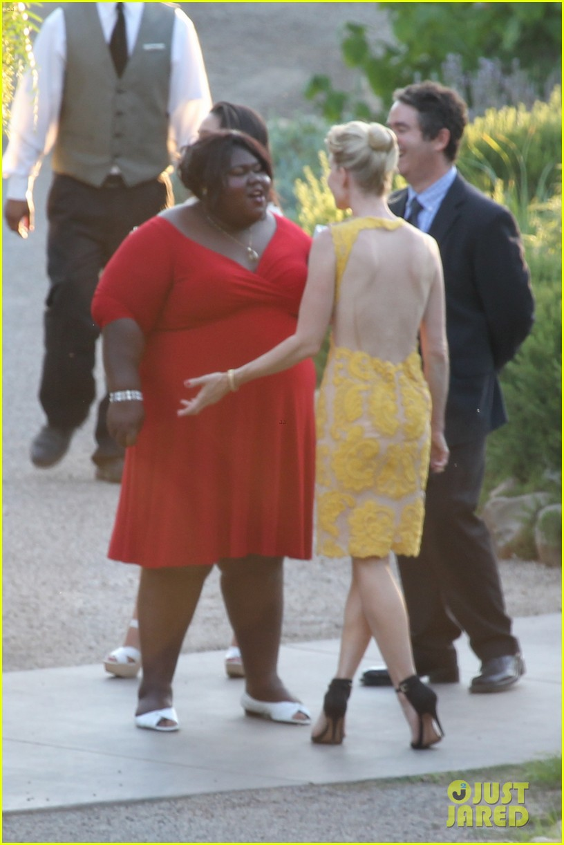 gabourey sidibe wears bridal gown to jimmy kimmel wedding 04