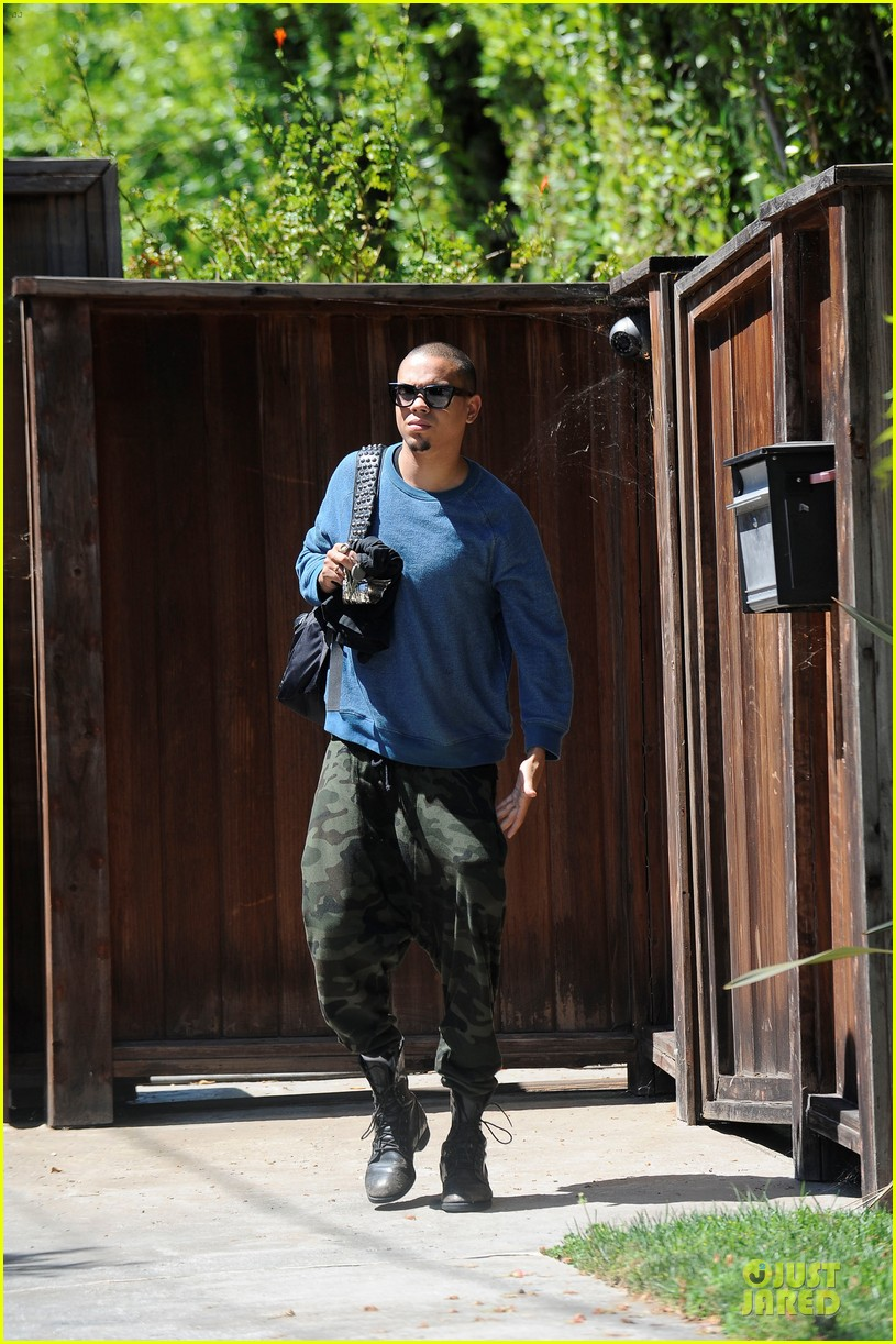 evan ross camouflages ashlee simpson house 05