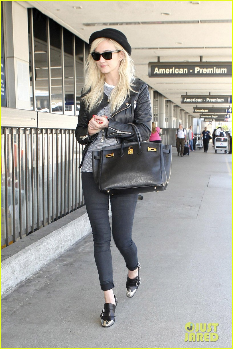 ashlee simpson evan ross travel together out of lax 062920093