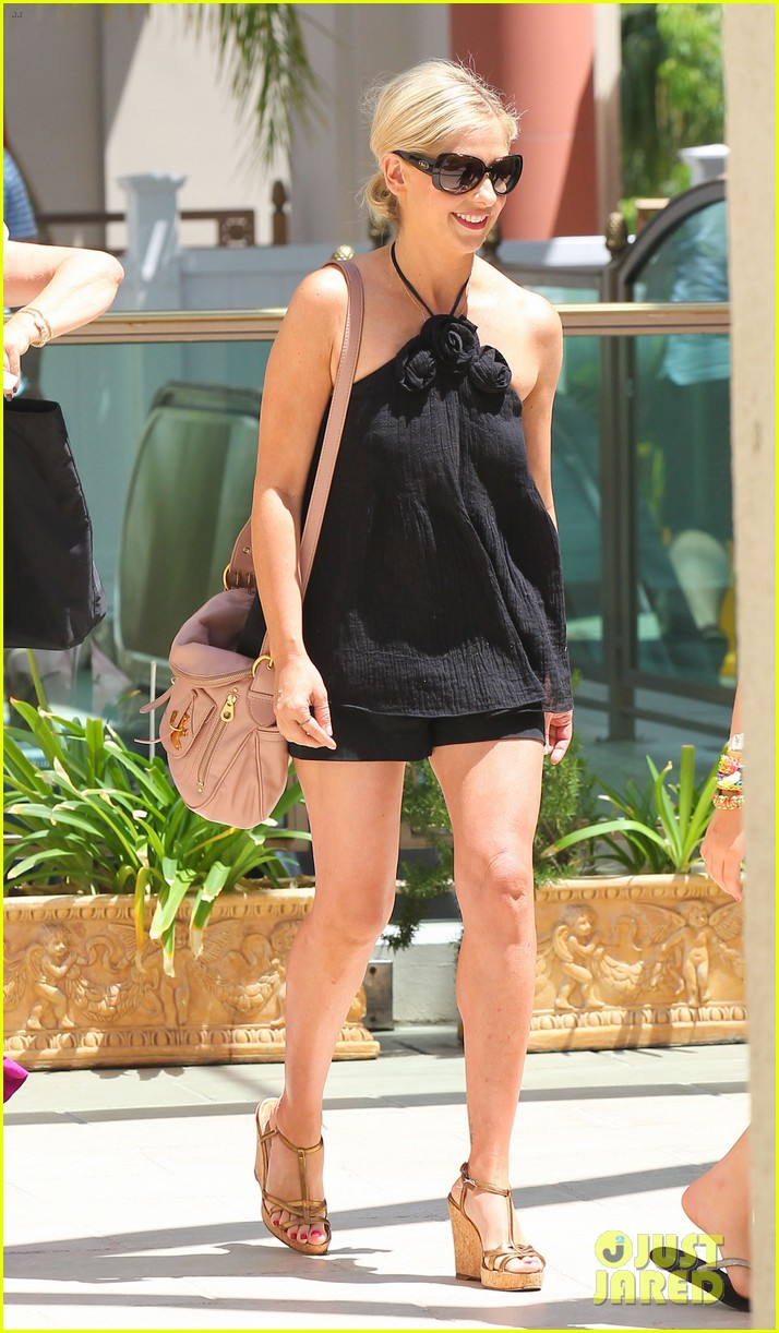 sarah michelle gellar ballet class pick up with charlotte 02