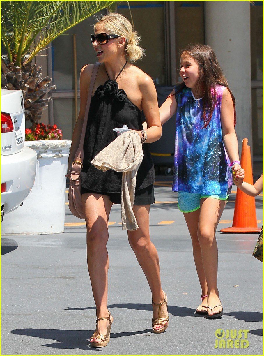 sarah michelle gellar ballet class pick up with charlotte 082918801