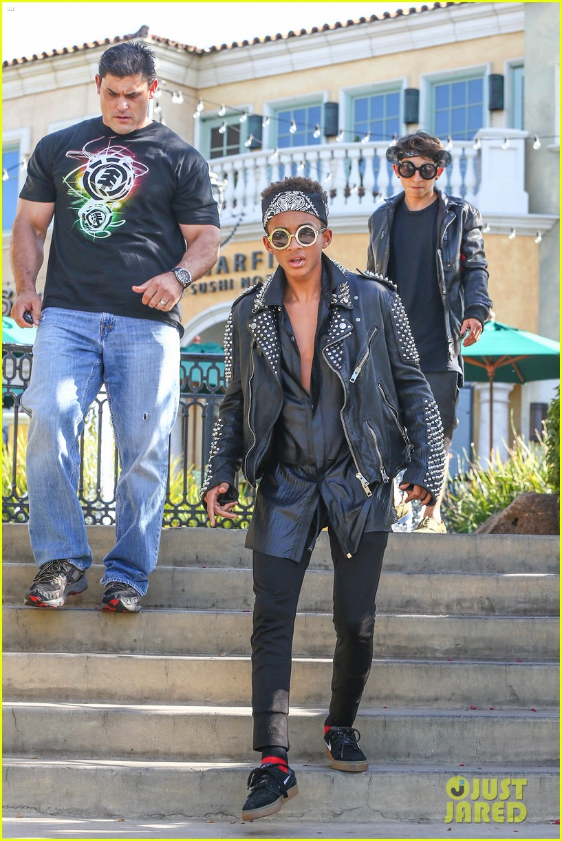 jaden smith rocker chic outfit for sugarfish dinner 14