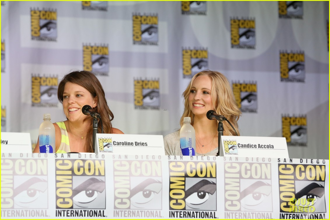 ian somerhalder nina dobrev vampire diaries at comic con 102914156