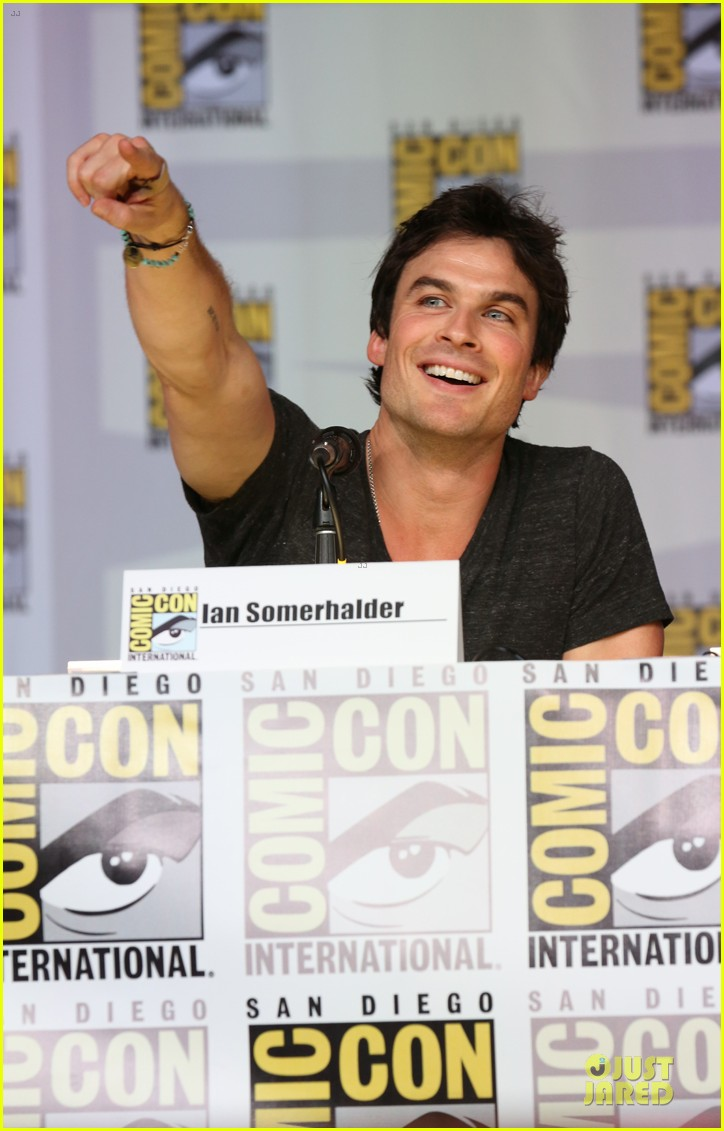 ian somerhalder nina dobrev vampire diaries at comic con 122914158