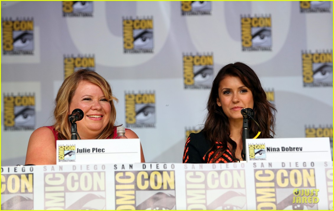 ian somerhalder nina dobrev vampire diaries at comic con 142914160