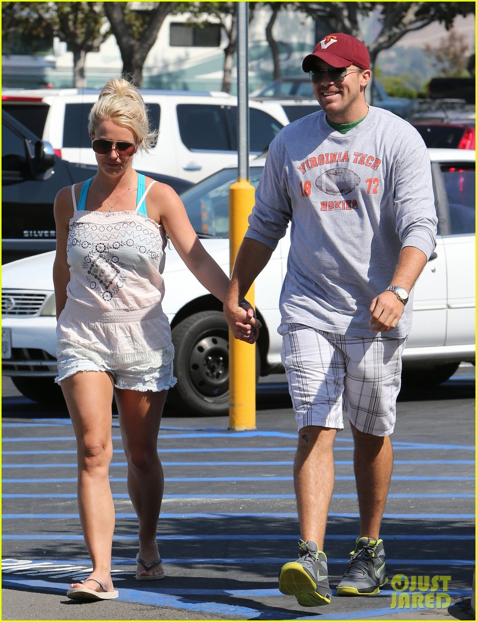 britney spears david lucado hold hands on fourth of july 062904165