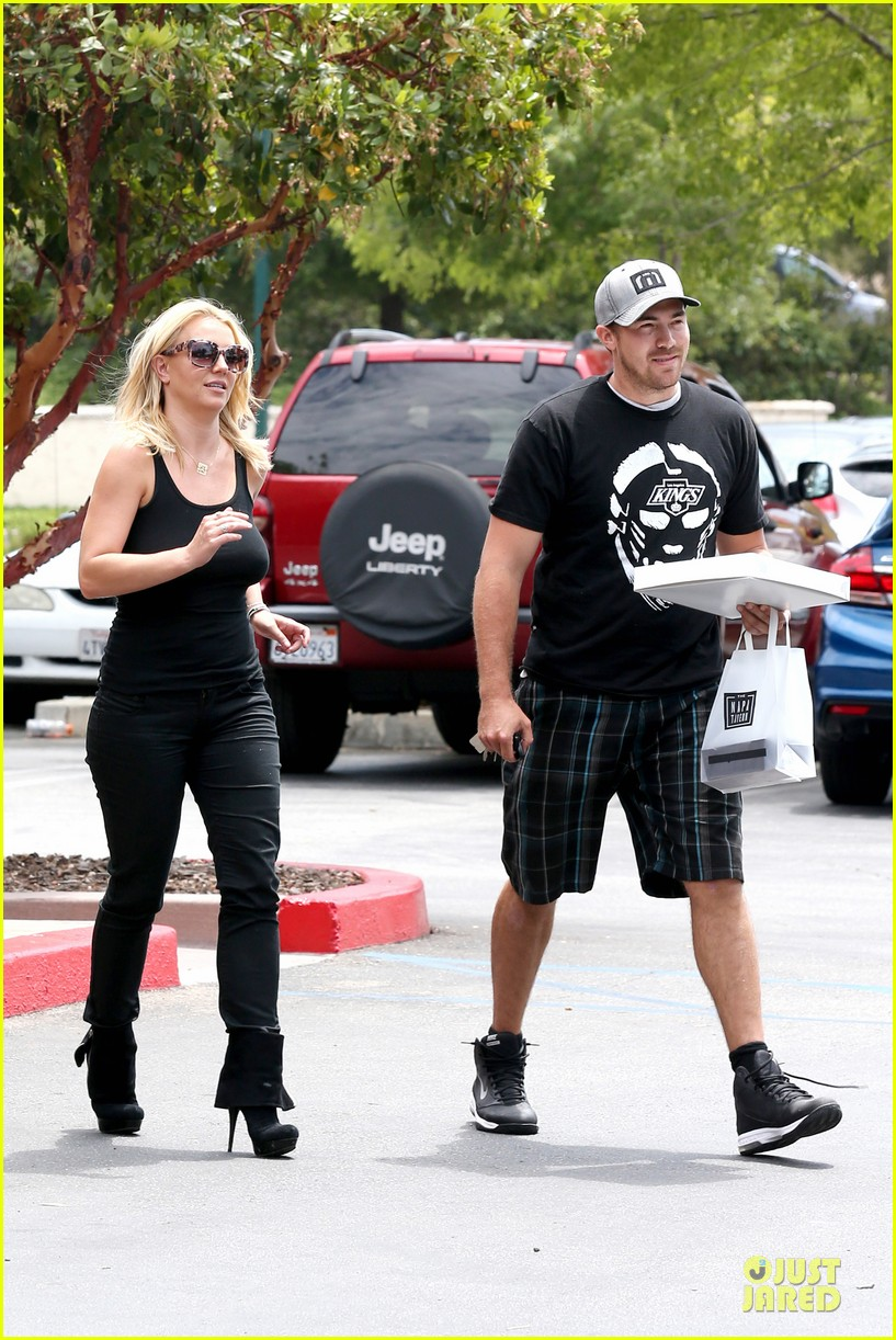 britney spears david lucado napa tavern lunch date 17