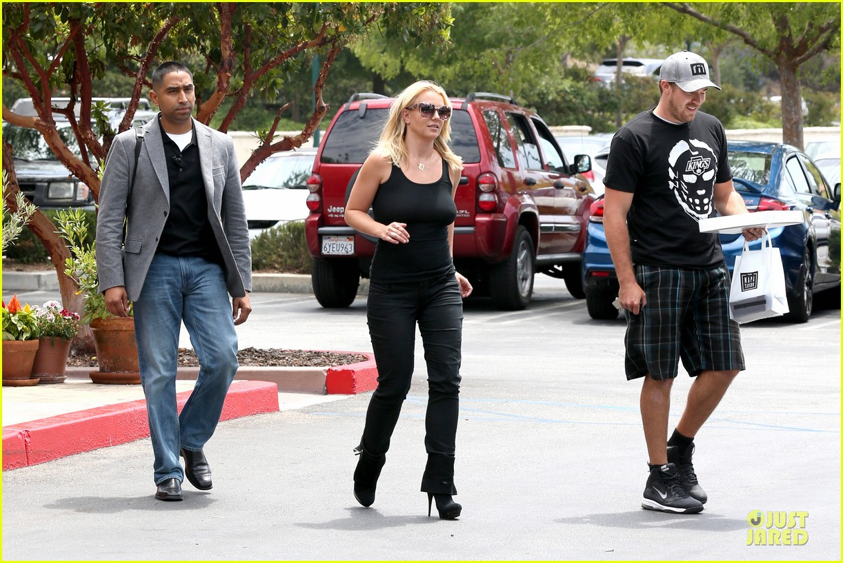 britney spears david lucado napa tavern lunch date 272914763