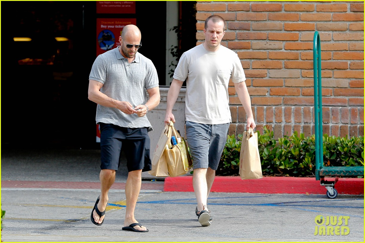 jason statham pre fourth of july grocery run 11