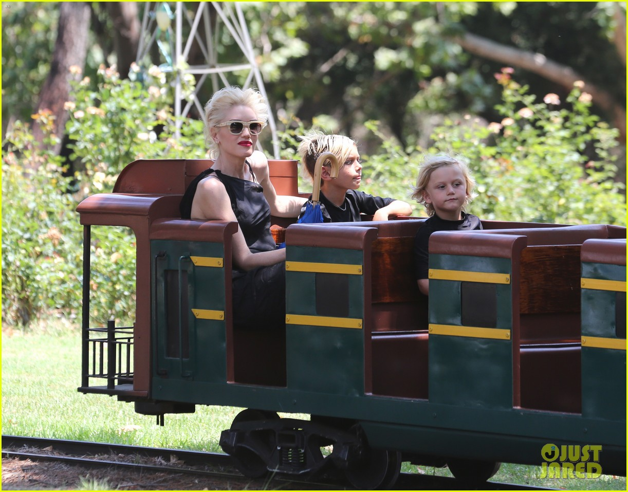 gwen stefani griffith park fun time with kingston zuma 02